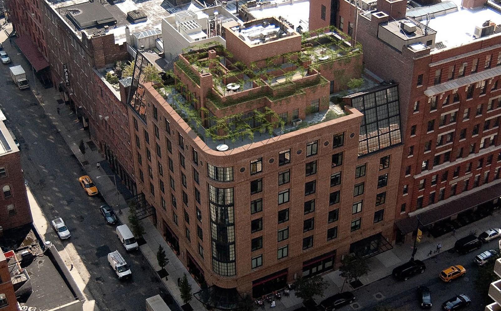 Wood Canopy Bed Tribeca Penthouse Tribeca Luxury Hotel Axel Vervoordt