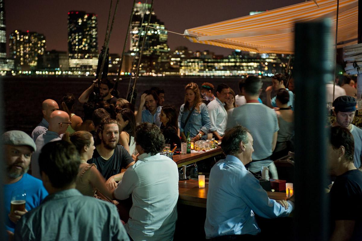 https://www.thegreenwichhotel.com/wp-content/uploads/2015/07/Grand_Banks_Media_Kit_2015_Cocktail_Bar_Night_CREDIT-Liz-Clayman.jpg